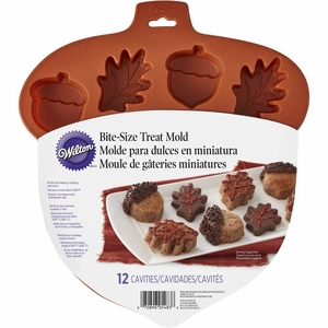 Wilton Silicone, 12 Cavity Bite-Size Leaf & Acorn Treat Mold, 2105-5483
