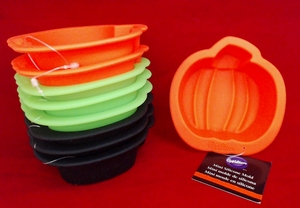 Wilton Silicone, 9 Pack Mini Pumpkin Molds, WSMPM9PK