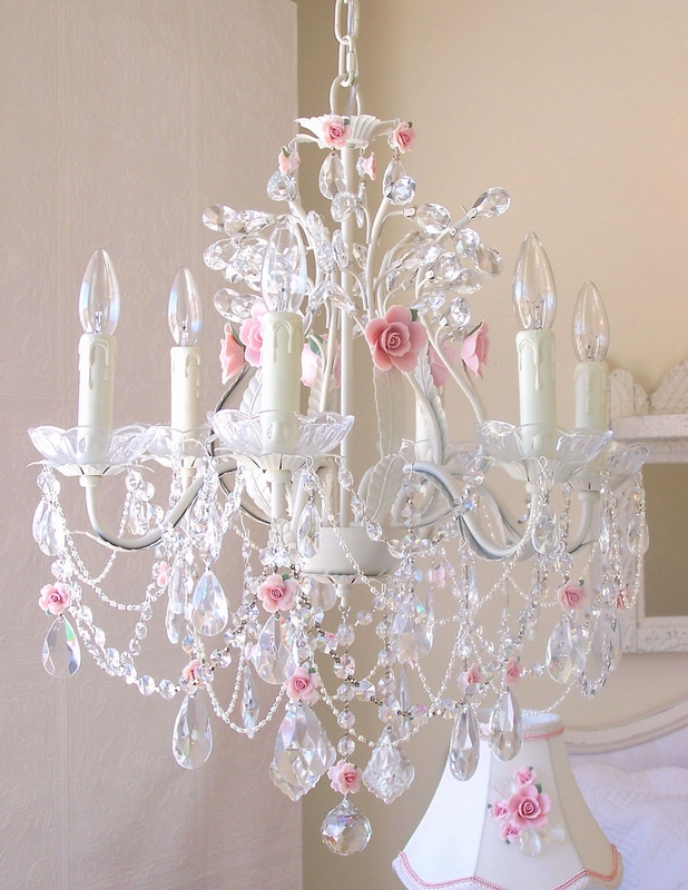 Pin girls room chandelier on pinterest for Chandelier light for girls room
