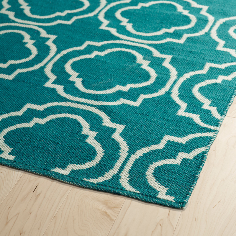 Brisa Double Quatrefoil Rug in Teal and Ivory ...