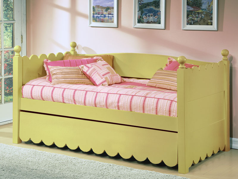 Scallop Twin Day Bed By Alligator Enterprise