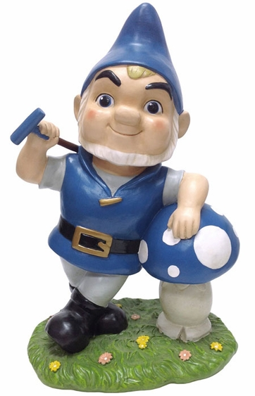 Gnomeo with Shroom - Click to enlarge