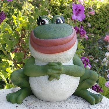Nanette Frog Statue - Click to enlarge