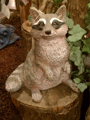 Raccoon Statue - Click to enlarge