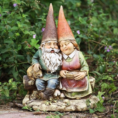 Romantic Gnome Couple - Click to enlarge