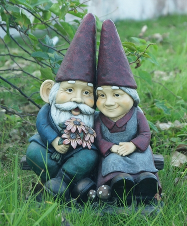 Romantic Gnomes Forever - Click to enlarge