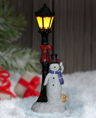 Snowman w/LED Lamp Post - Click to enlarge