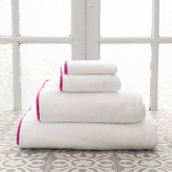 Banded White/Fuchsia Bath Towels<font color=cf2317> 20% Off</font>