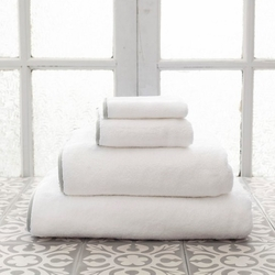 Banded White/Gray Bath Towels<font color=cf2317> 20% Off</font>