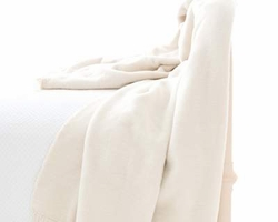 Windsor Ivory Fringed Fleece Throw