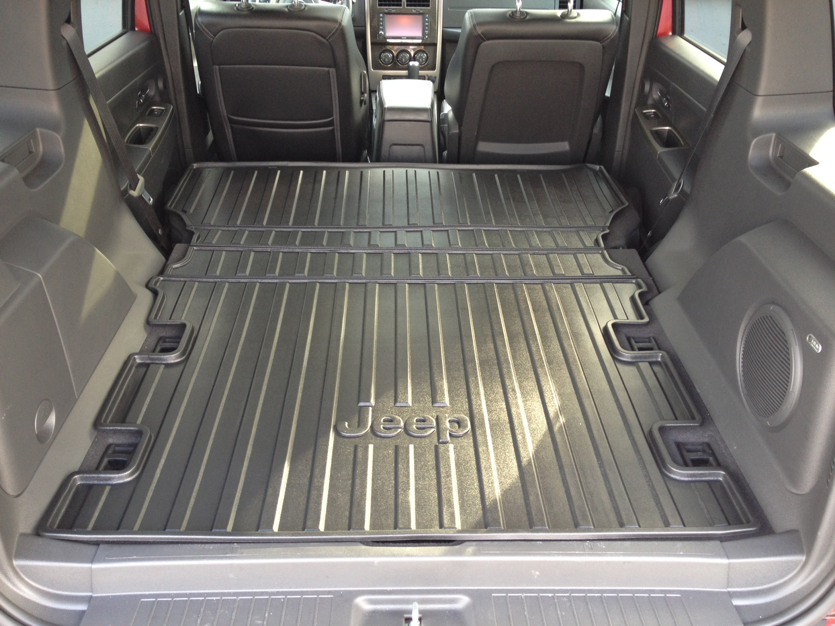 jeep liberty folding cargo liner mopar 82210677ab. Black Bedroom Furniture Sets. Home Design Ideas