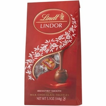 "Lindt Swiss Chocolate - Lindor Truffles ""Milk Chocolate with a Smooth Filling!"", 12 Piece Bag, 144g/5.1oz. (Single)"