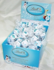 Lindt Truffle - Lindt Lindor Truffles, Milk Chocolate with a White Chocolate filling, 60 Piece Box (Single)
