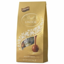 Lindt Truffle - Lindt Lindor Truffles Milk, Dark,60% Extra Dark, Peanut Butter and White 21 Piece assorted bag, 264g/9.3oz. (Single)