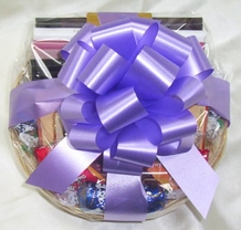 Milk Chocolates (Small Gift Basket)
