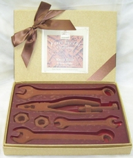 "Slitti Italian Chocolate - ""Ferri Vecchi in Cioccolato"" Chocolate Rusty Tools, 7 Piece Gift Box, 56% Cocoa.(Single)"