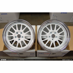 WORK Seeker FX (WHT)<br>(2) 18x10.0 +40 / (2) 18x10.0 +40<br>5x114.3