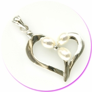 Heart Ring W/Three Pearls Silver Pendant w/Gift box