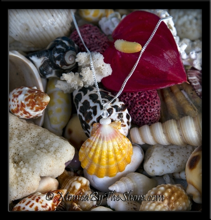 """""""Town & Country"""" Style Sunrise Shell, Puka Shell & Swarovski Crystal Necklace"""