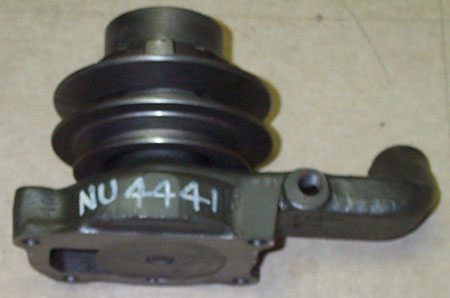 WATER PUMP FOR E-40 MAHINDRA TRACTOR