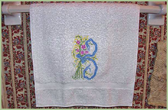 Bath Towel with Romantic Treasure Initial