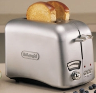 DeLonghi RT200 2-Slice Retro Toaster with Brushed Metallic Finish - click to enlarge
