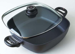 Swiss Diamond 66282 Covered Square Casserole, 11 x 11'' - click to enlarge