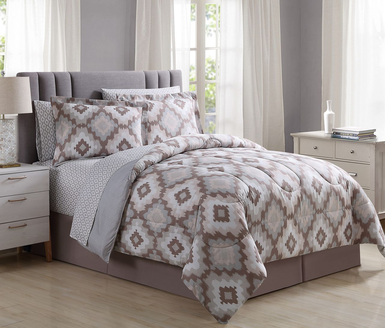 8 Piece Chesterfield Taupe Bed In A Bag Set