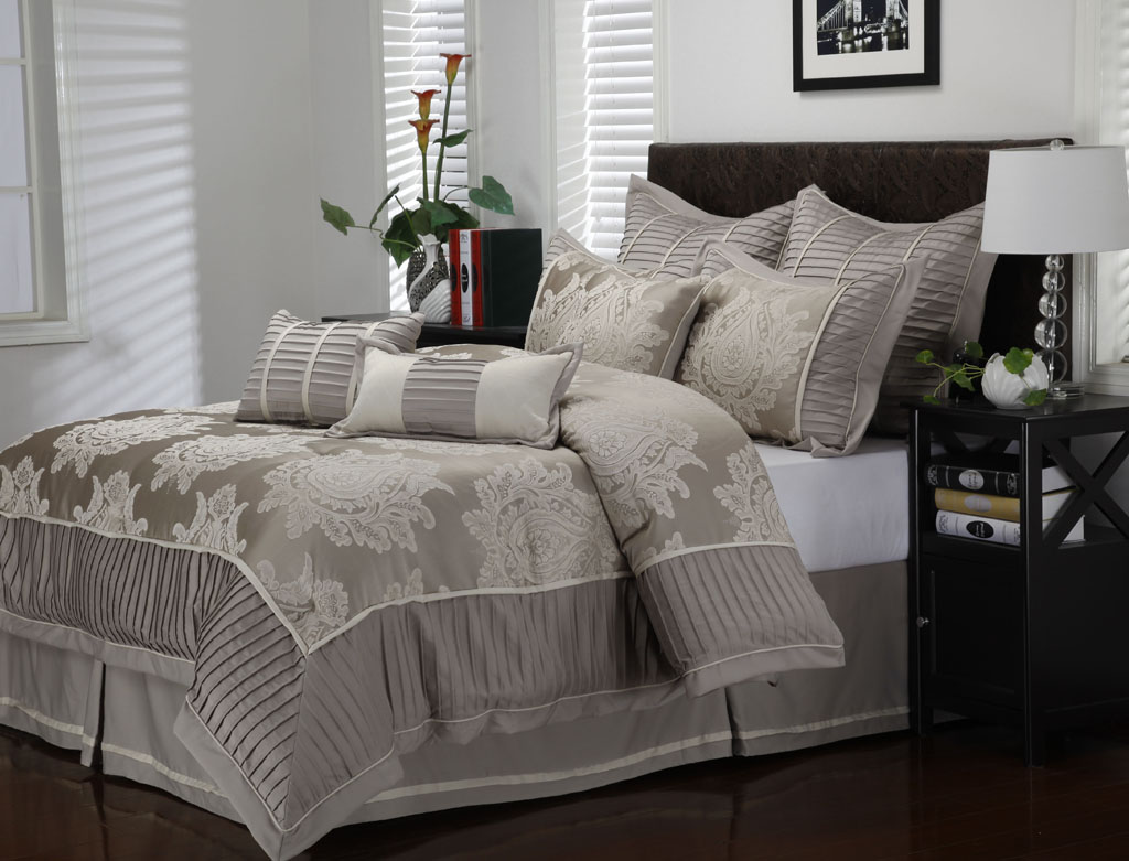 Clearance bedding comforter sets best of king bedroom set for King bedroom furniture sets clearance