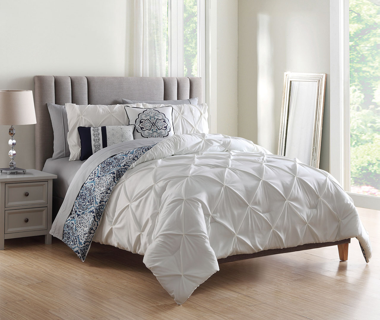 9 Piece Tawny White/Navy w/Cotton Sheets Comforter Set