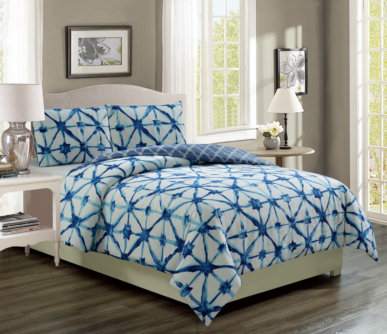 Clermont Navy White Reversible Bed In A Bag Set