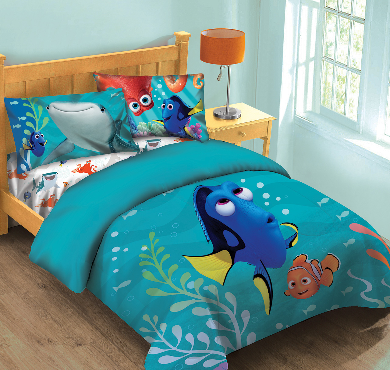Disney Finding Dory Fish Finder Twin Comforter Set w Fitted Sheet. Disney Finding Dory Fish Finder Comforter Set w Fitted Sheet
