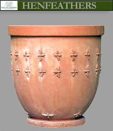 Bee Pot by Richard Hartlage