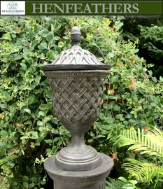 Vintage Lattice Weave Urn W/Finial Lid