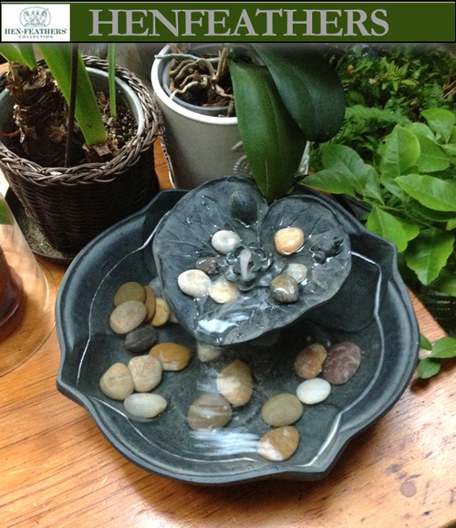 Lily Pad Fountain/Birdbath {USA}