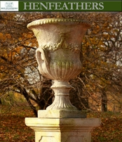 Lord Byron Urn With Handles {USA}n