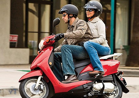 """<b><font size=""""3"""">Scooters-Mopeds 150cc to 300cc</font></b>"""