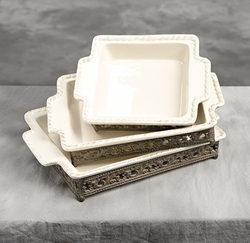 9 in. Square Baker w/Base-Cream - GG Collection