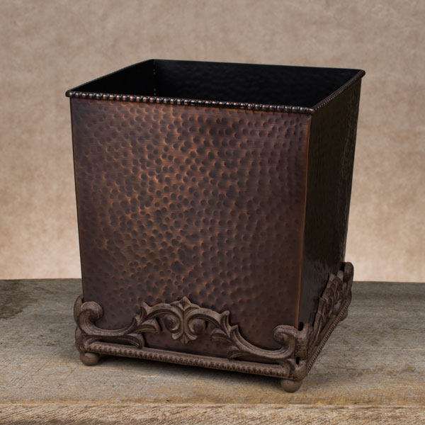 Antique copper hammered wastebasket gg collection for Hammered metal bathroom accessories