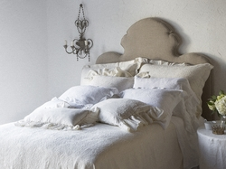 Florence Coverlet with Velvet Piping by Bella Notte