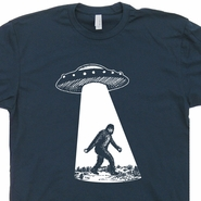 UFO Bigfoot T Shirt Funny Sasquatch Cryptozoology Alien Abduction
