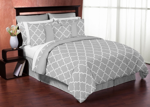 Gray and White Trellis 3pc Full / Queen Bedding Set by Sweet Jojo Designs - Click to enlarge
