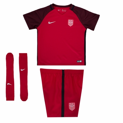 Little Kids Nike USA 2017/2018 Red Uniform Kit - Click to enlarge