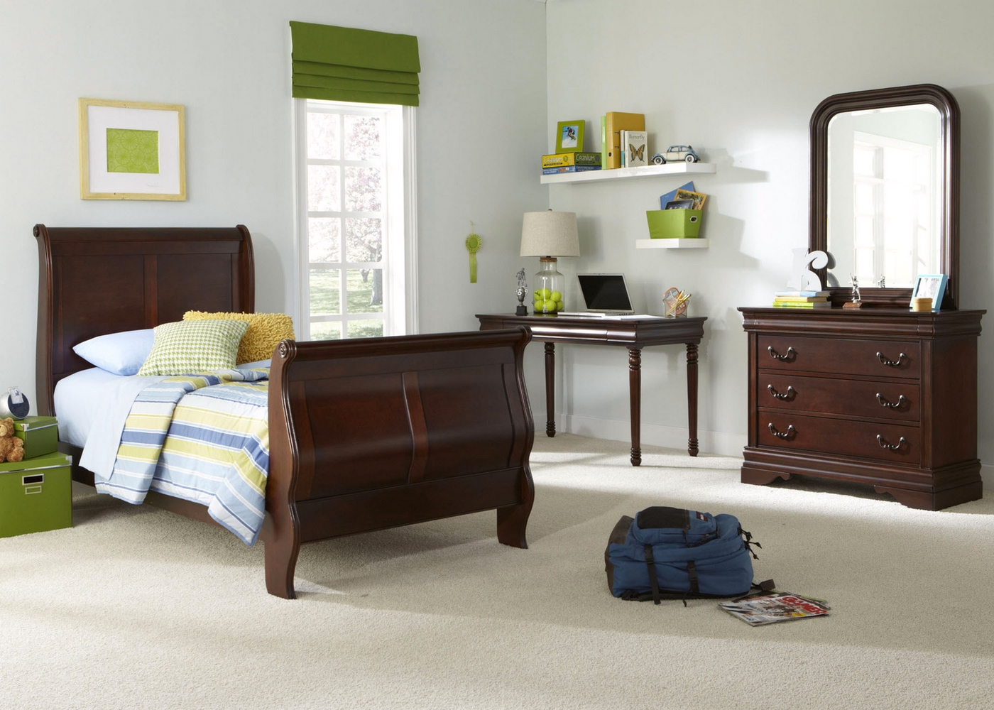 Carriage Court Mahogany Traditional Youth Sleigh Bedroom Set