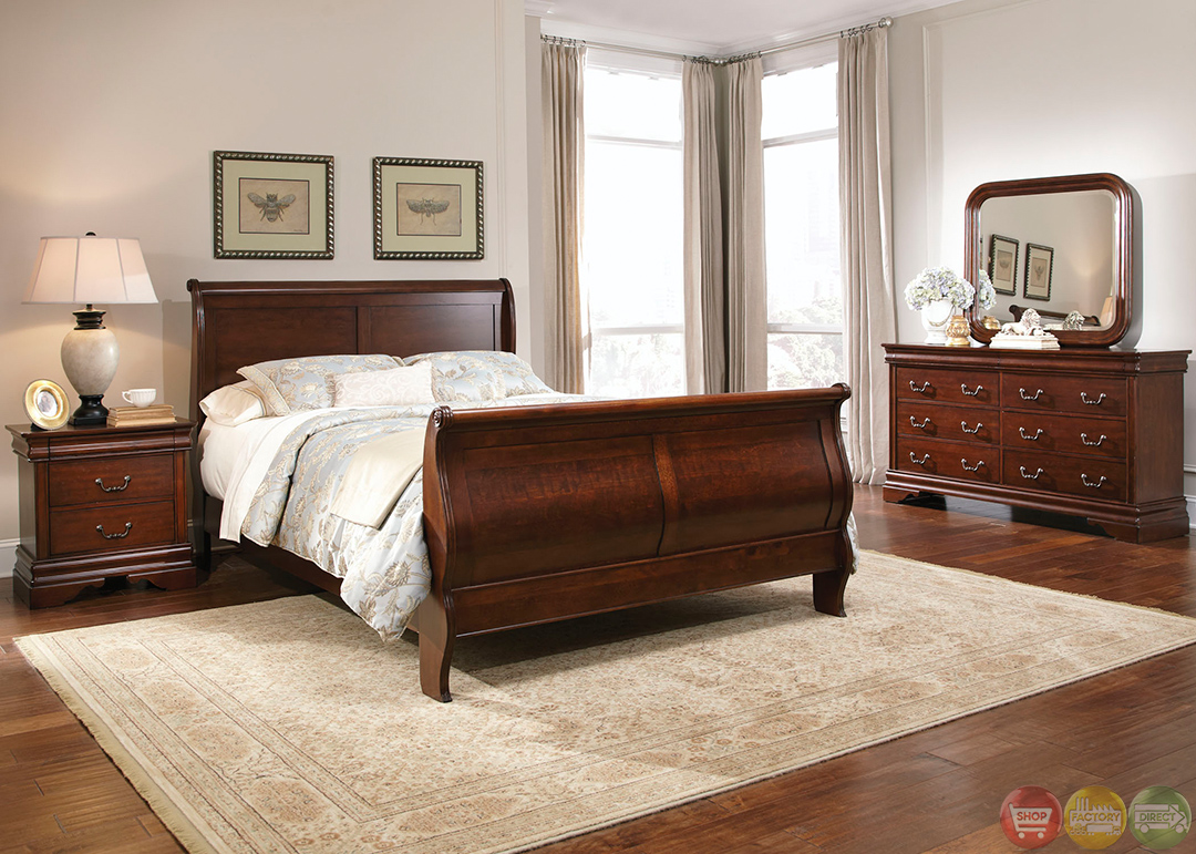 Carriage court traditional mahogany finish bedroom set for Mahogany bedroom furniture