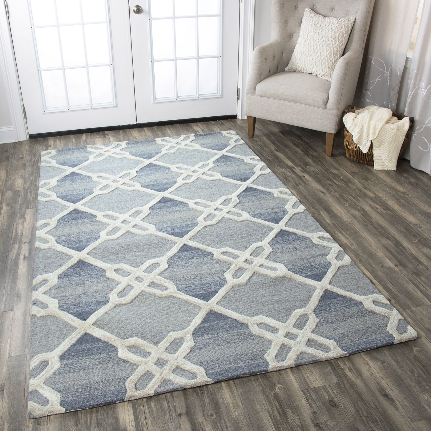 Royal Blue And White Trellis Rug: Caterine Gradient Diamond Wool Area Rug In Blue & Off