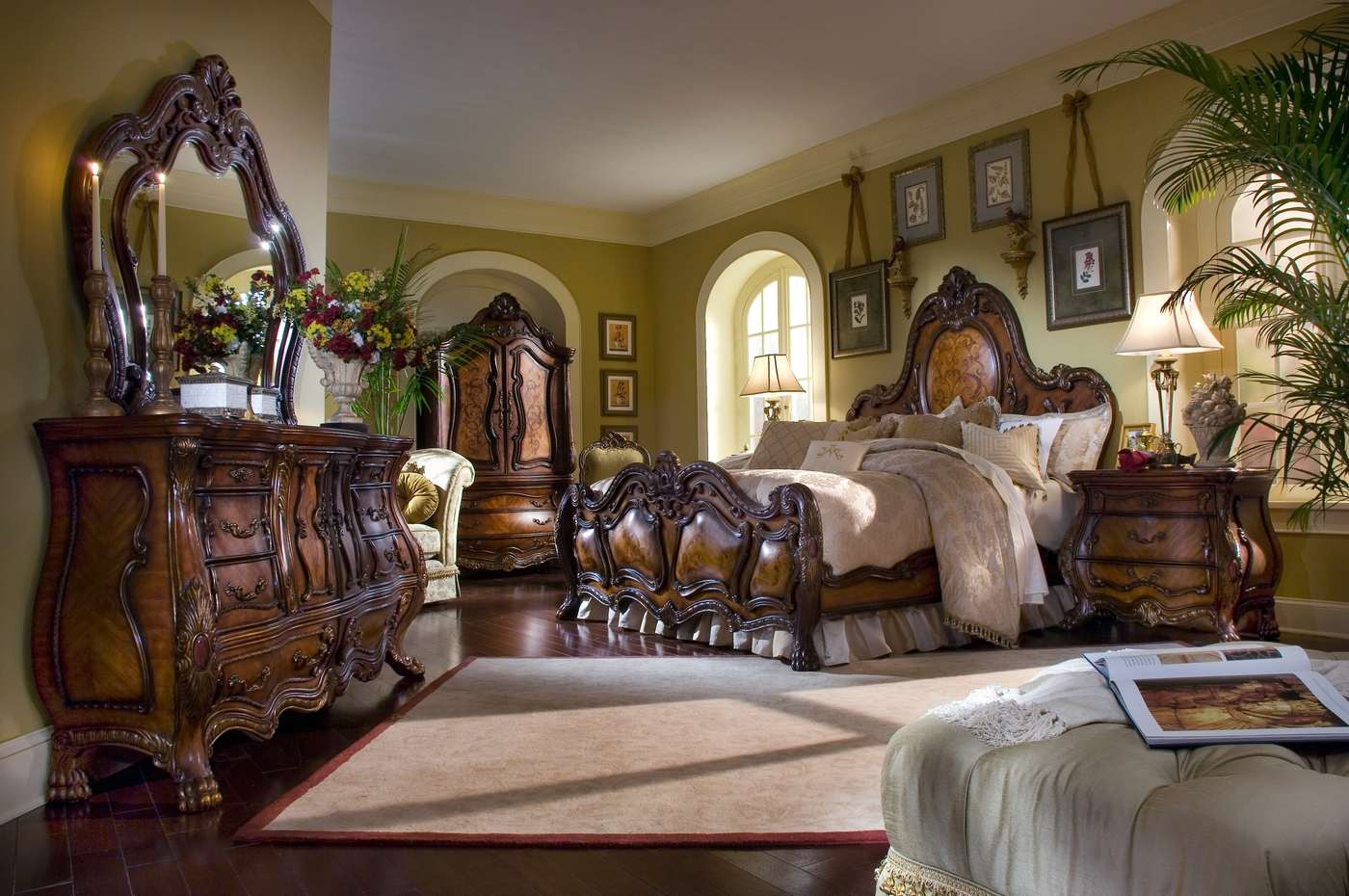 Michael Amini Chateau Beauvais Traditional Luxury Bedroom