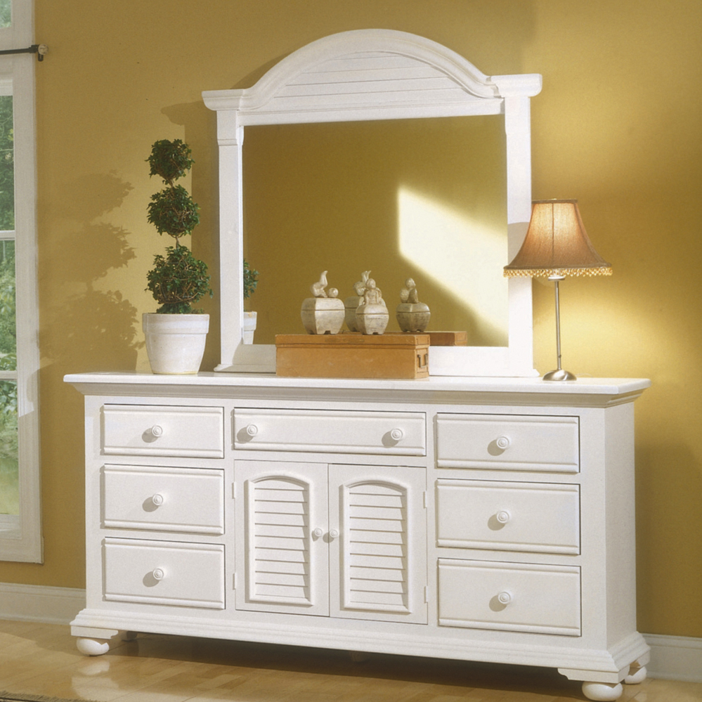 Cottage traditions distressed white bedroom furniture set - Distressed bedroom furniture sets ...