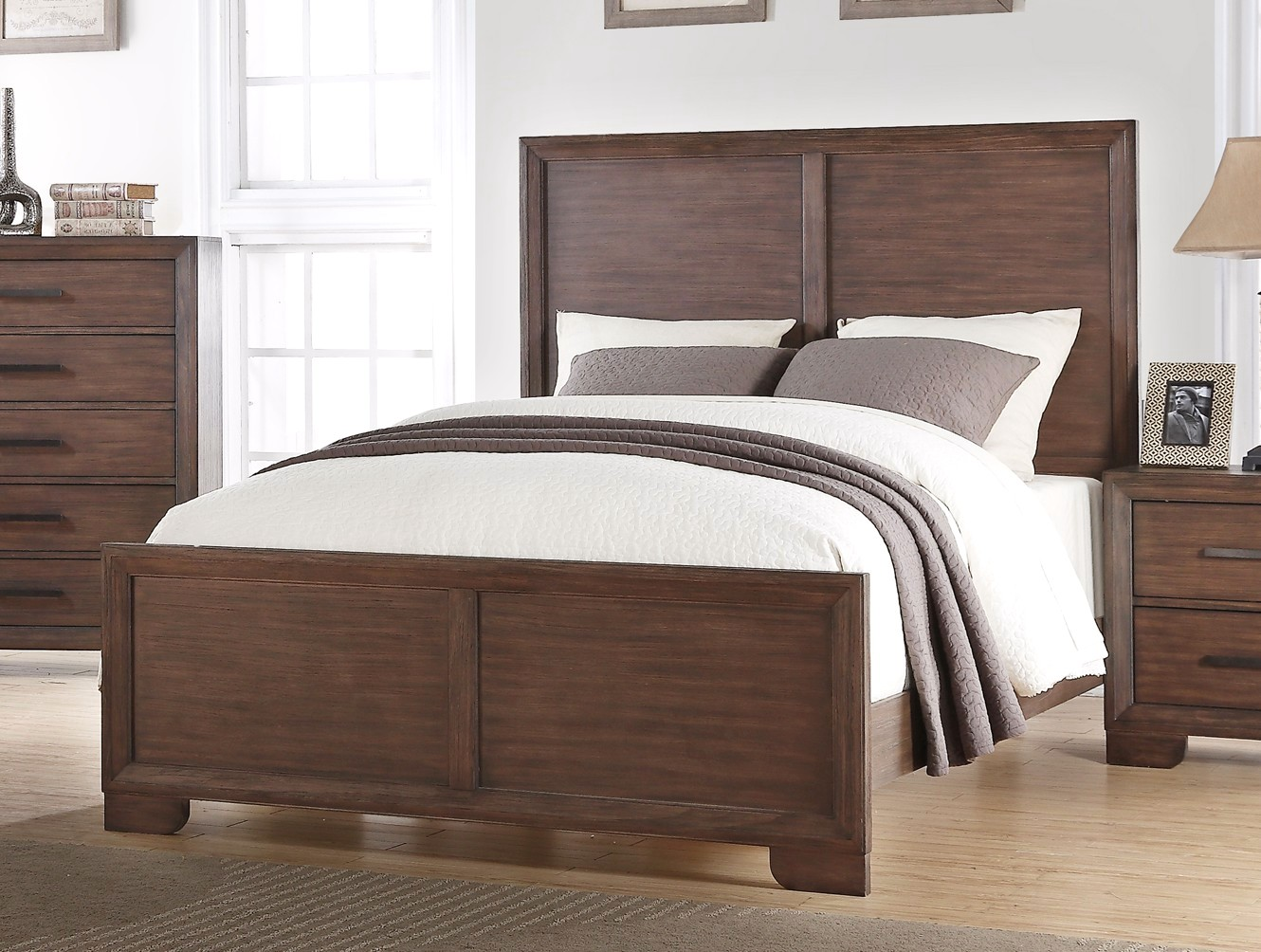 Denali Traditional Luxury King High Back Panel Bed In Dark