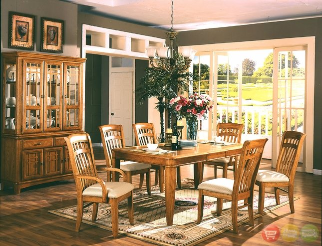 Fairview Dining Room Furniture Set Clear Light Finish 920